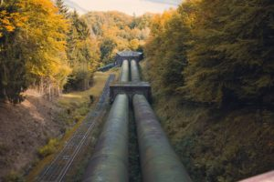 Gaspipeline durch den Wald